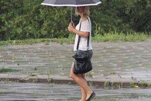 Она больше не плакала, за нее это делал дождь