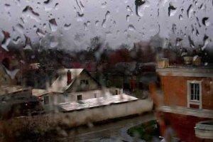 Дождь барабанит