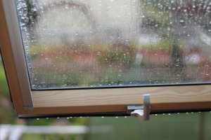 Падает дождь
