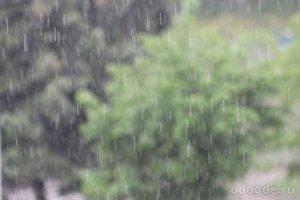 Снова накрапывал дождь