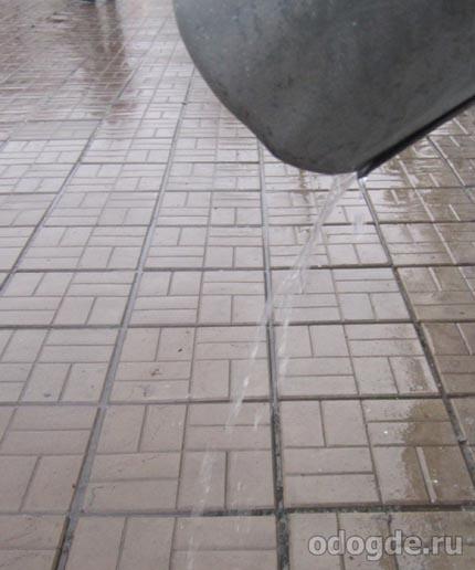 Как дождь плачет