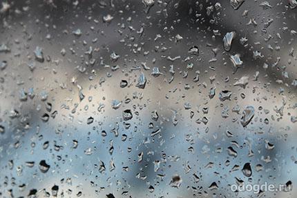 дождь на стекле