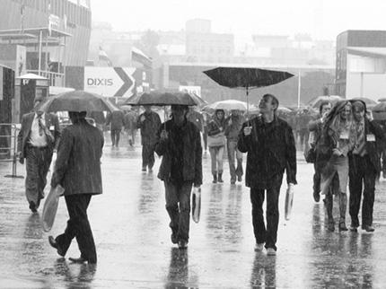 парень и дождь